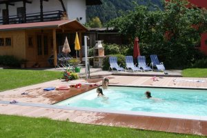 pool-apartments-oetz.jpg